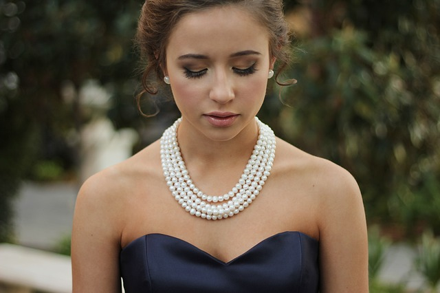 Choosing-The-Right-Necklace-Length-a