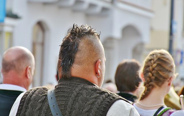 Why-Do-Men-Wear-Earrings-a